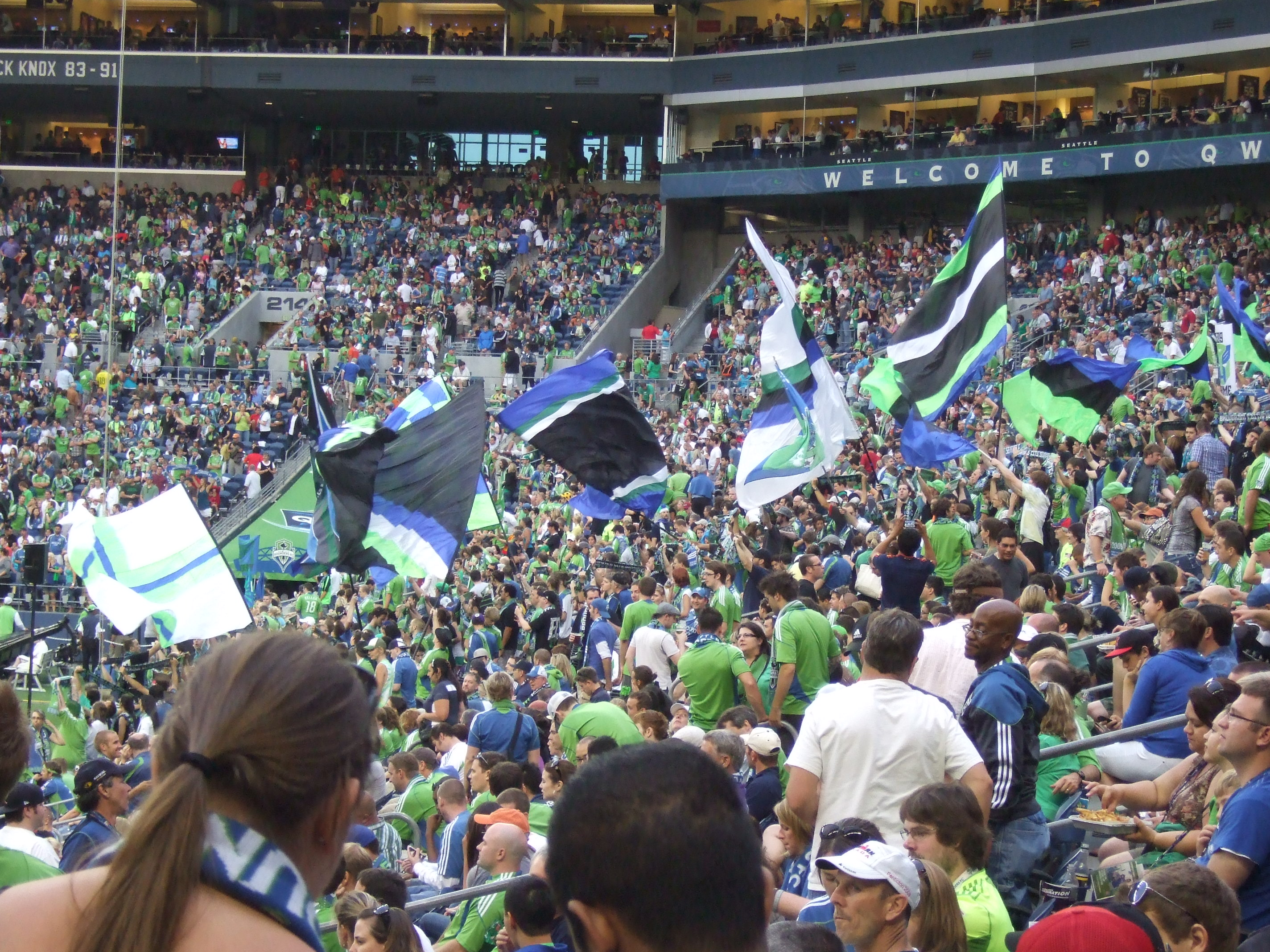DSCF6569 Flags at the Sounders gam